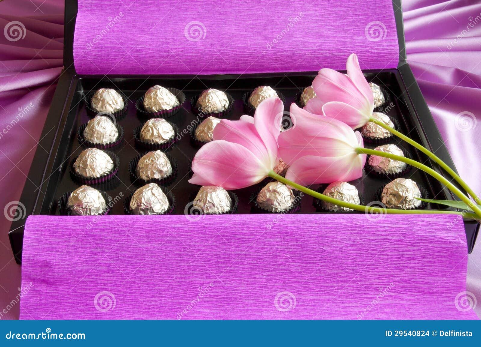Dia de matrizes ou caixa de presente dos Valentim - foto conservada em estoque
