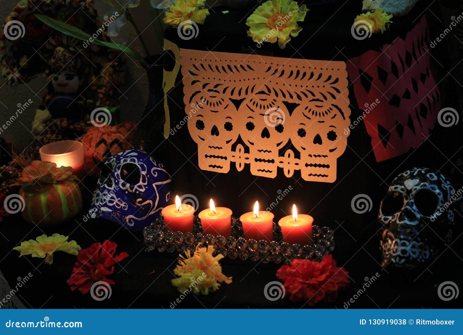 Dia do altar e das decorações inoperantes do picado do papel