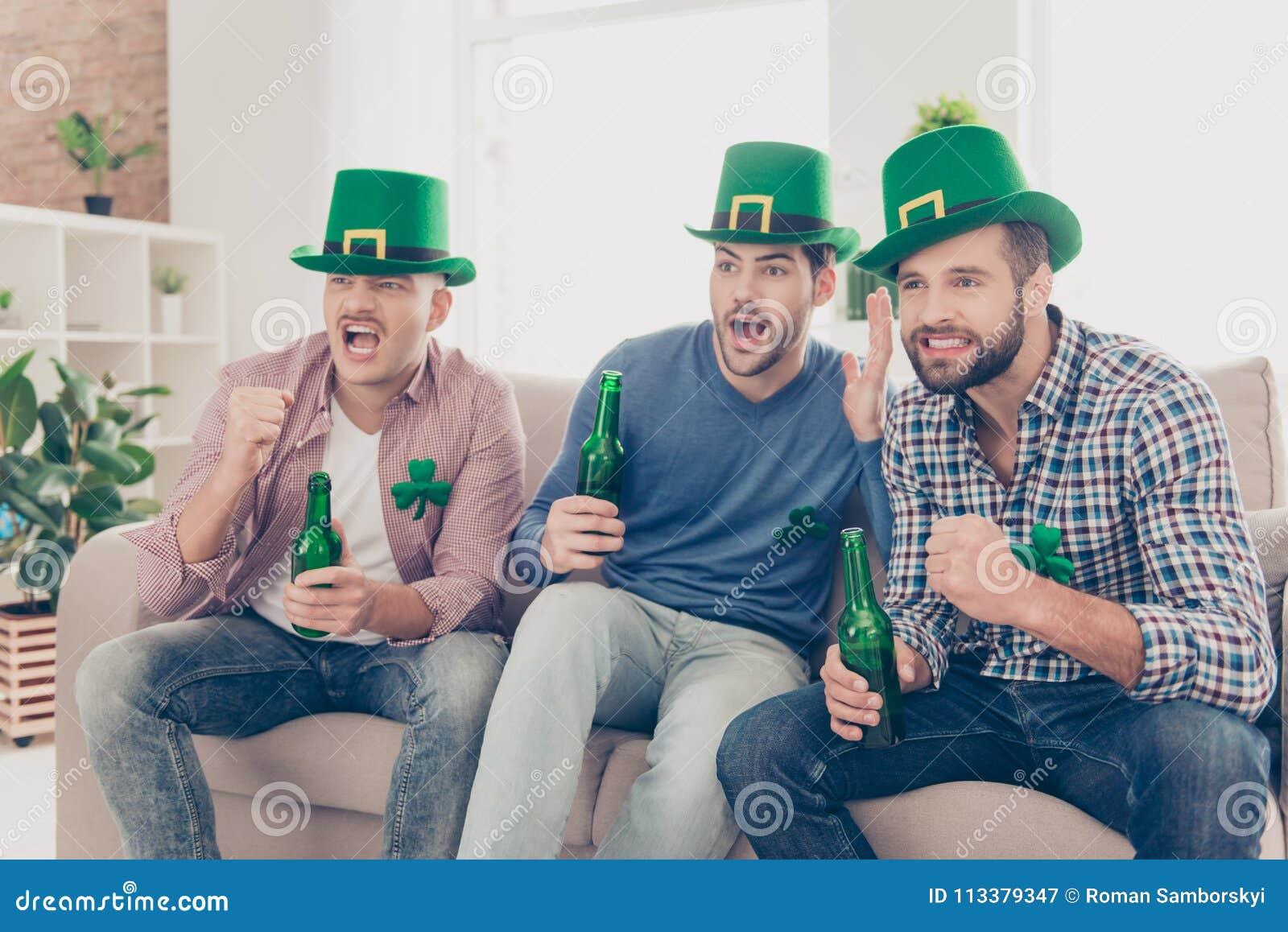 Dia feliz do ` s de St Patrick! Retrato de atrativo, considerável, travesso