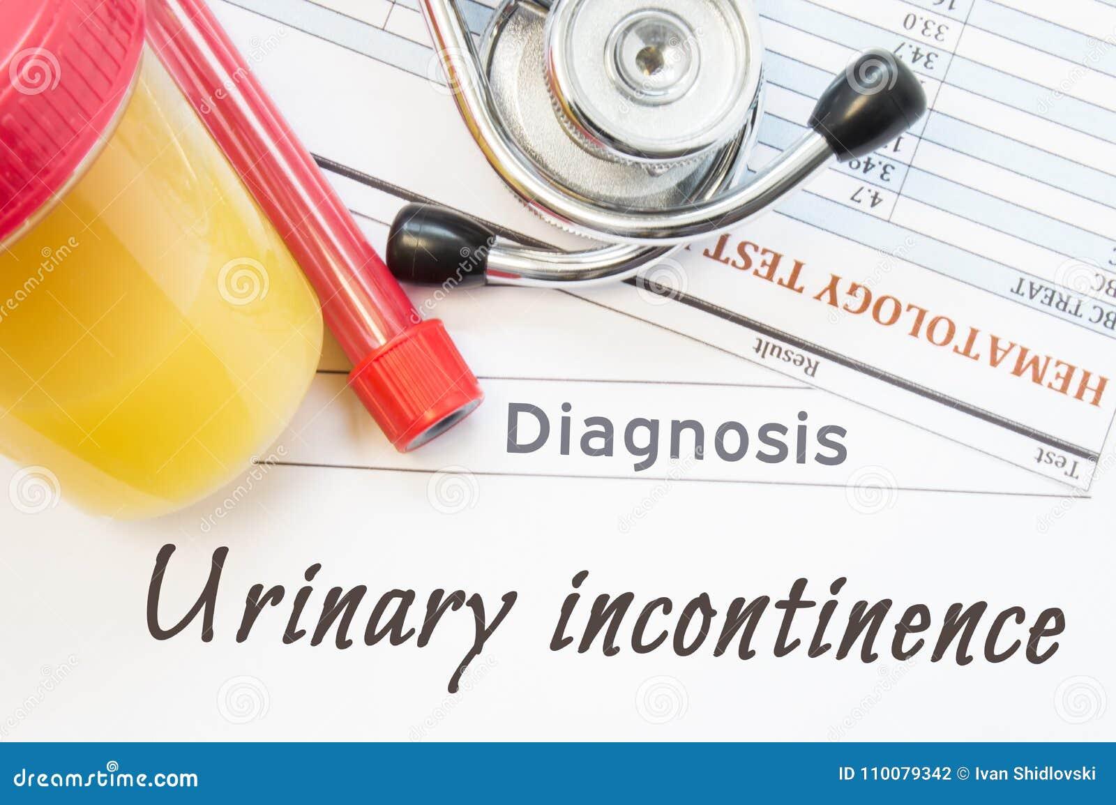 Diagnóstico da incontinência urinária Recipiente com amostra de urina, tubo de ensaio com resultados do sangue, do estetoscópio e