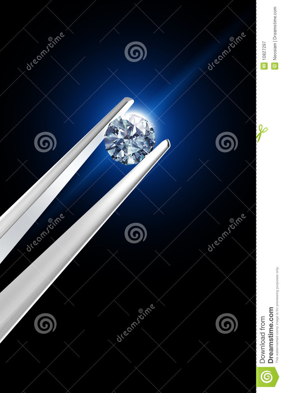 Diamante prendido por tweezers