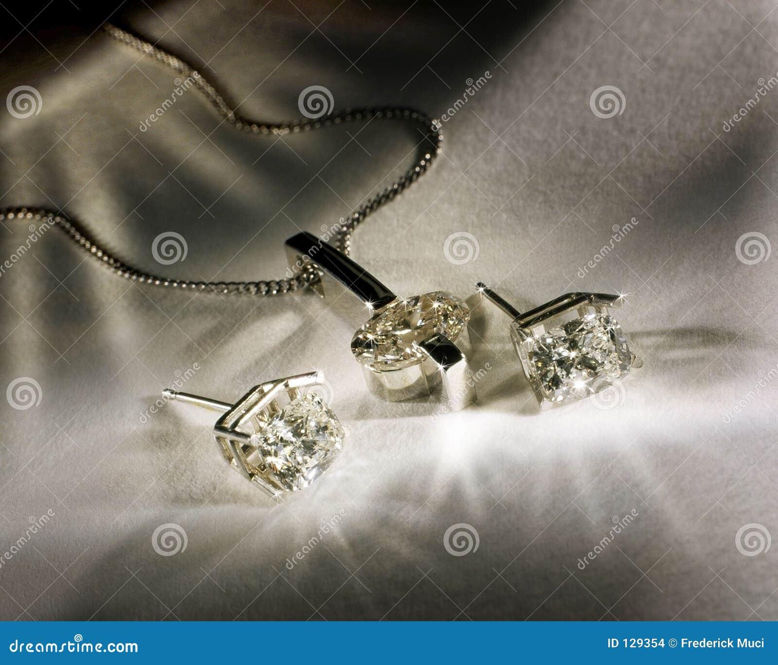 Diamanten Earings en Tegenhanger