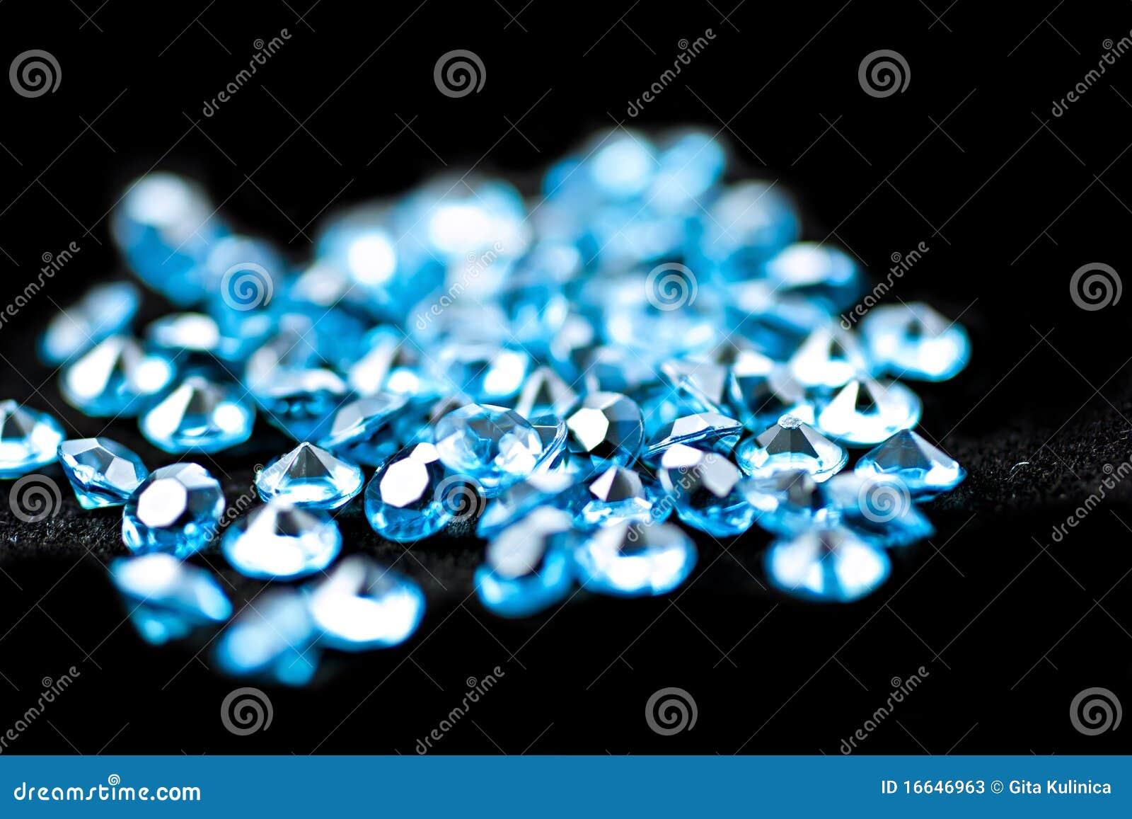 Diamanti blu.