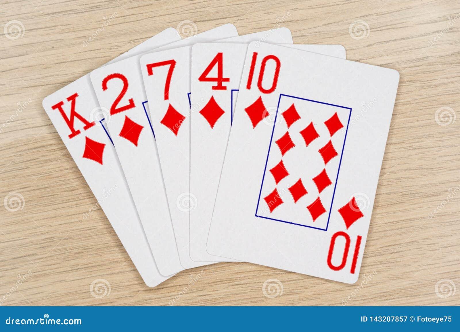 Diamants affleurants - casino jouant aux cartes de tisonnier