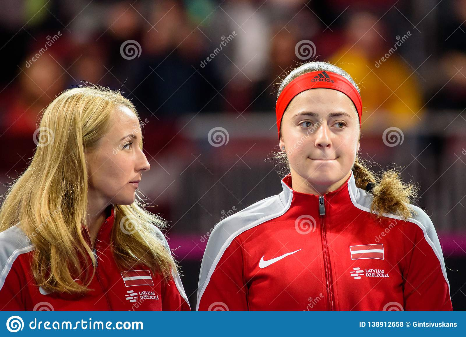 Diana Marcinkevica och Alona Ostapenko