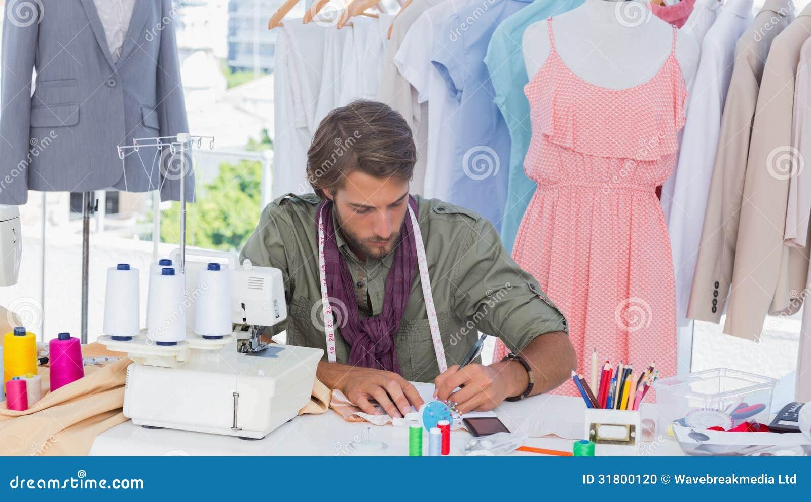 Dibujo del dise ador de moda en un escritorio foto de - Disenador de fotos ...
