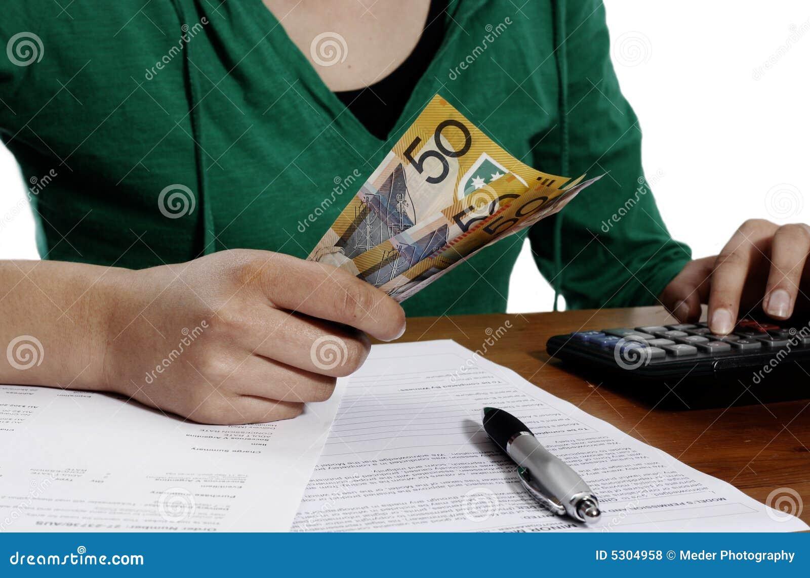 Download Dichiarazione Dei Redditi Finanziaria Fotografia Stock - Immagine di impari, eurasian: 5304958