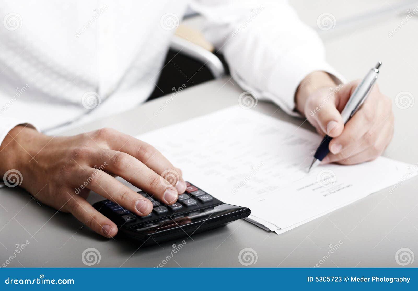 Download Dichiarazione Dei Redditi Finanziaria Immagine Stock - Immagine di commercio, perdita: 5305723