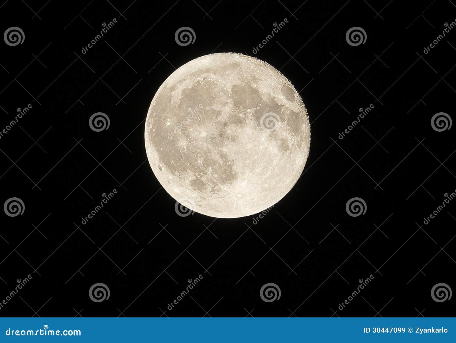 Dicht bij onze volle maan