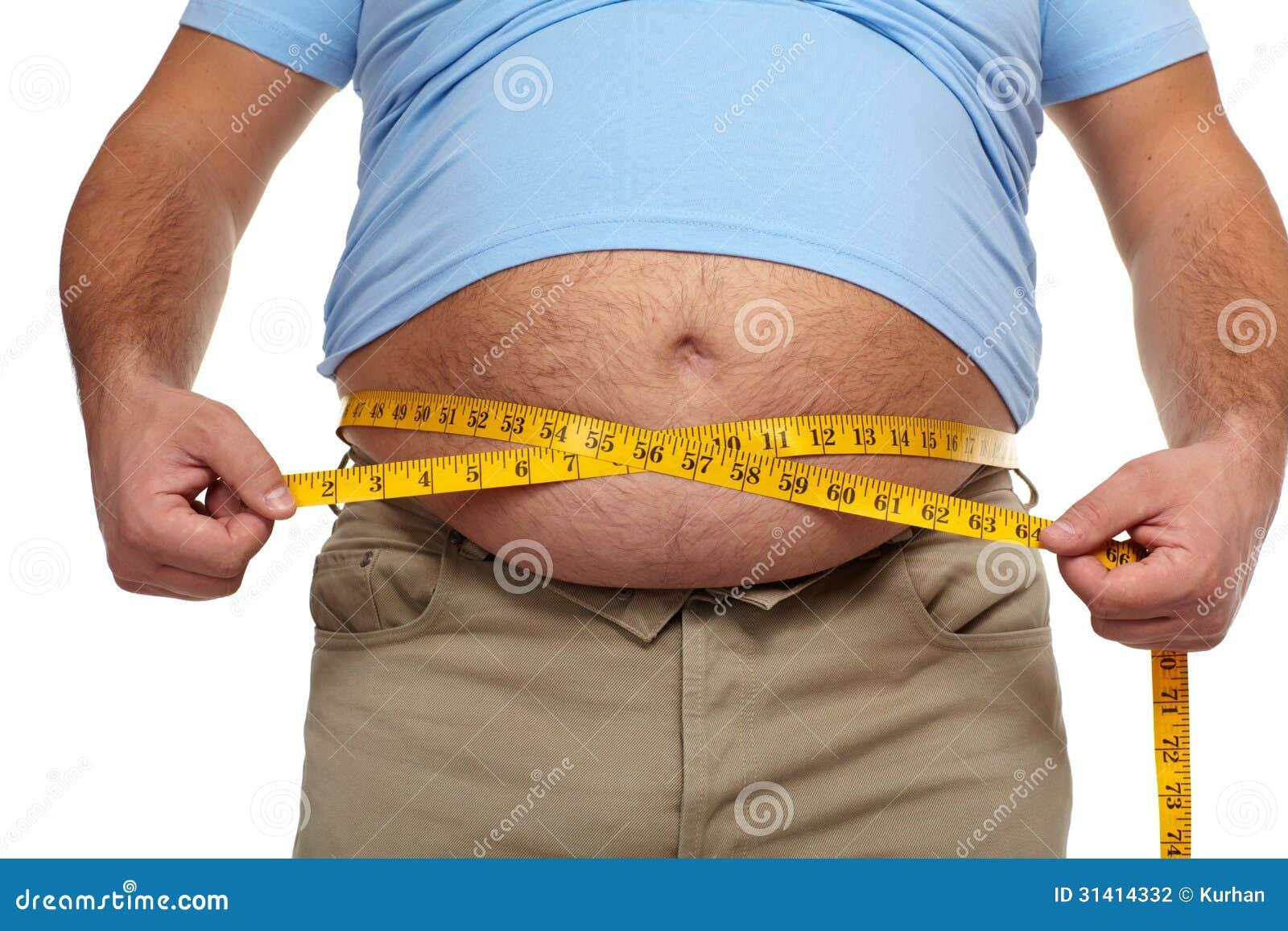 Dicker Mann mit einem dicken Bauch.