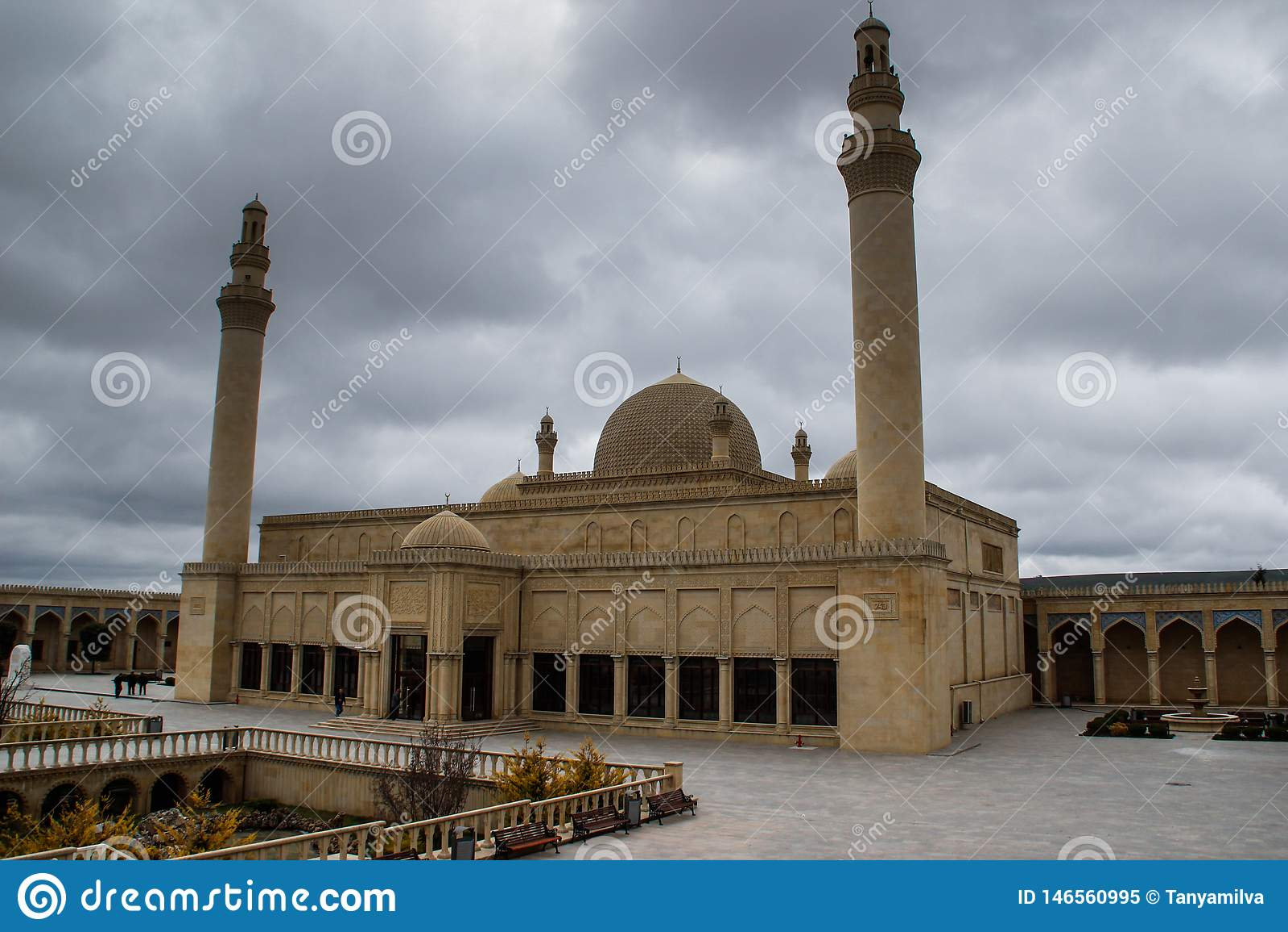 Die älteste Moschee im Kaukasus und im Mittlere Osten - die Moschee Shemakha Juma wurde in 743 errichtet und gehört dem Shirvan A