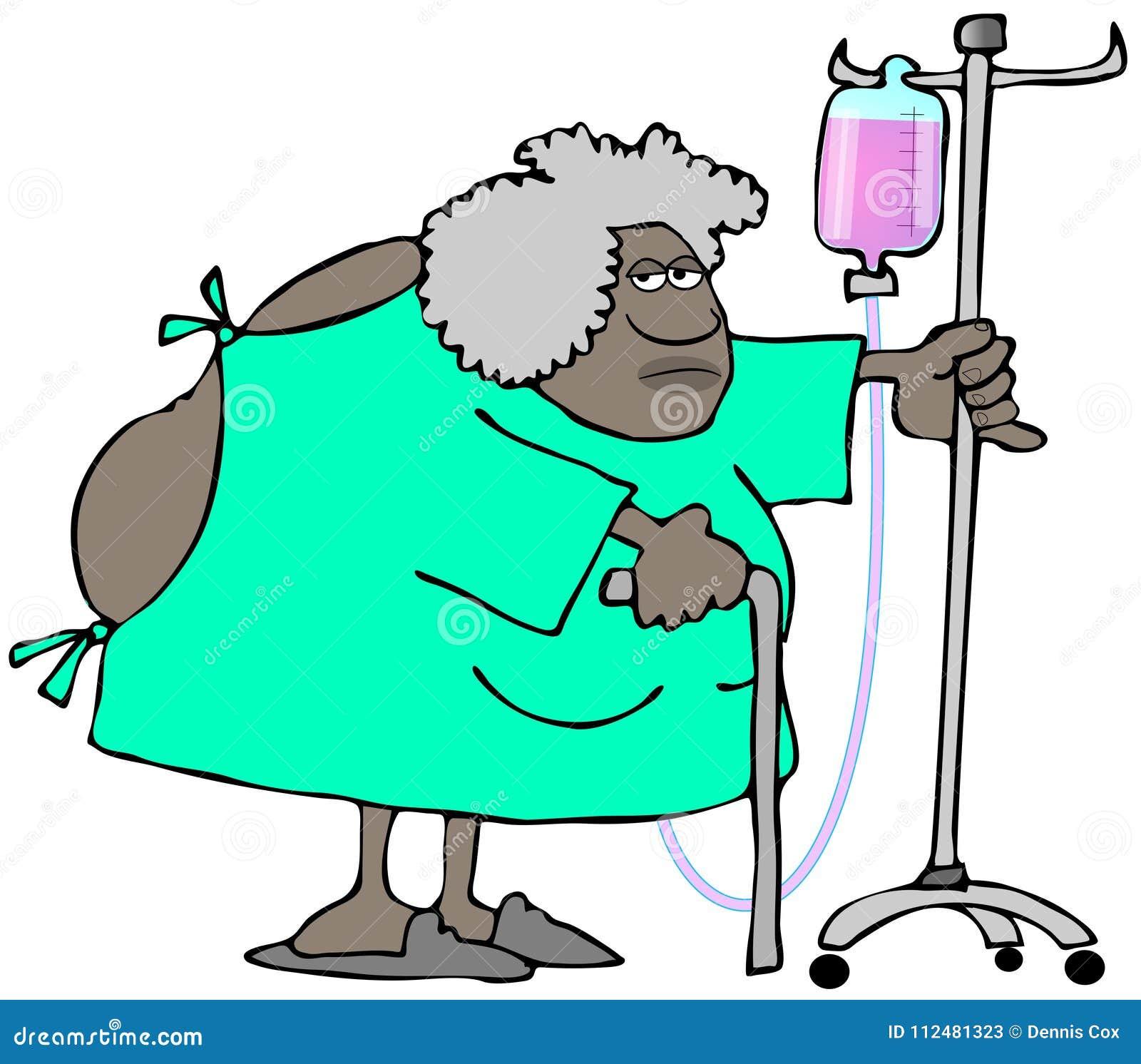 Die alte Frau, die ein Krankenhauskleid trägt, öffnen sich in der Rückseite