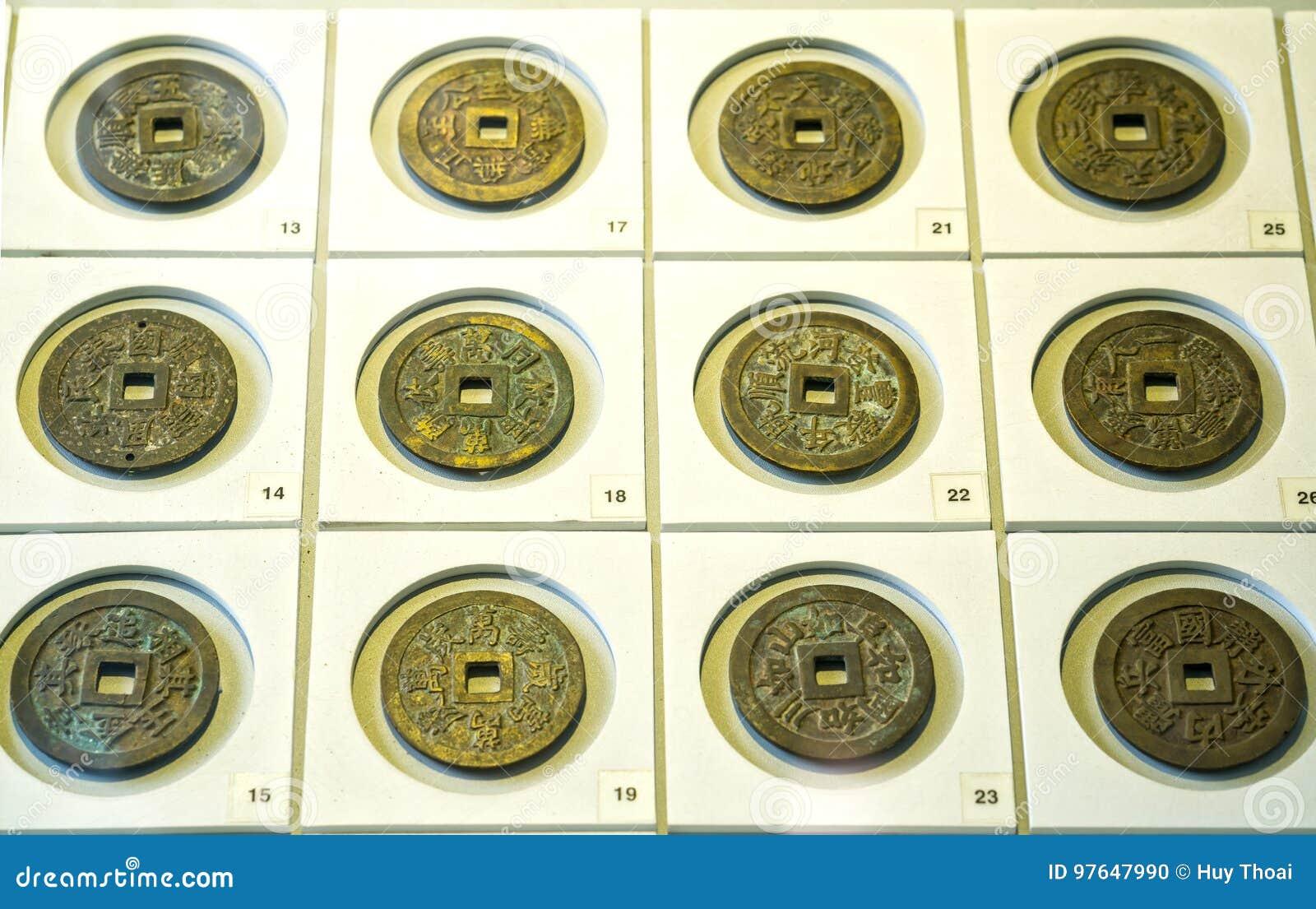 Die Alten Chinesischen Münzen Der Verschiedenen Dynastien Im Museum