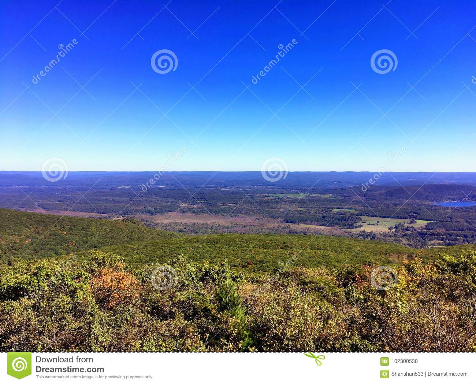 Die Ansichten von Bear Mountain Connecticut