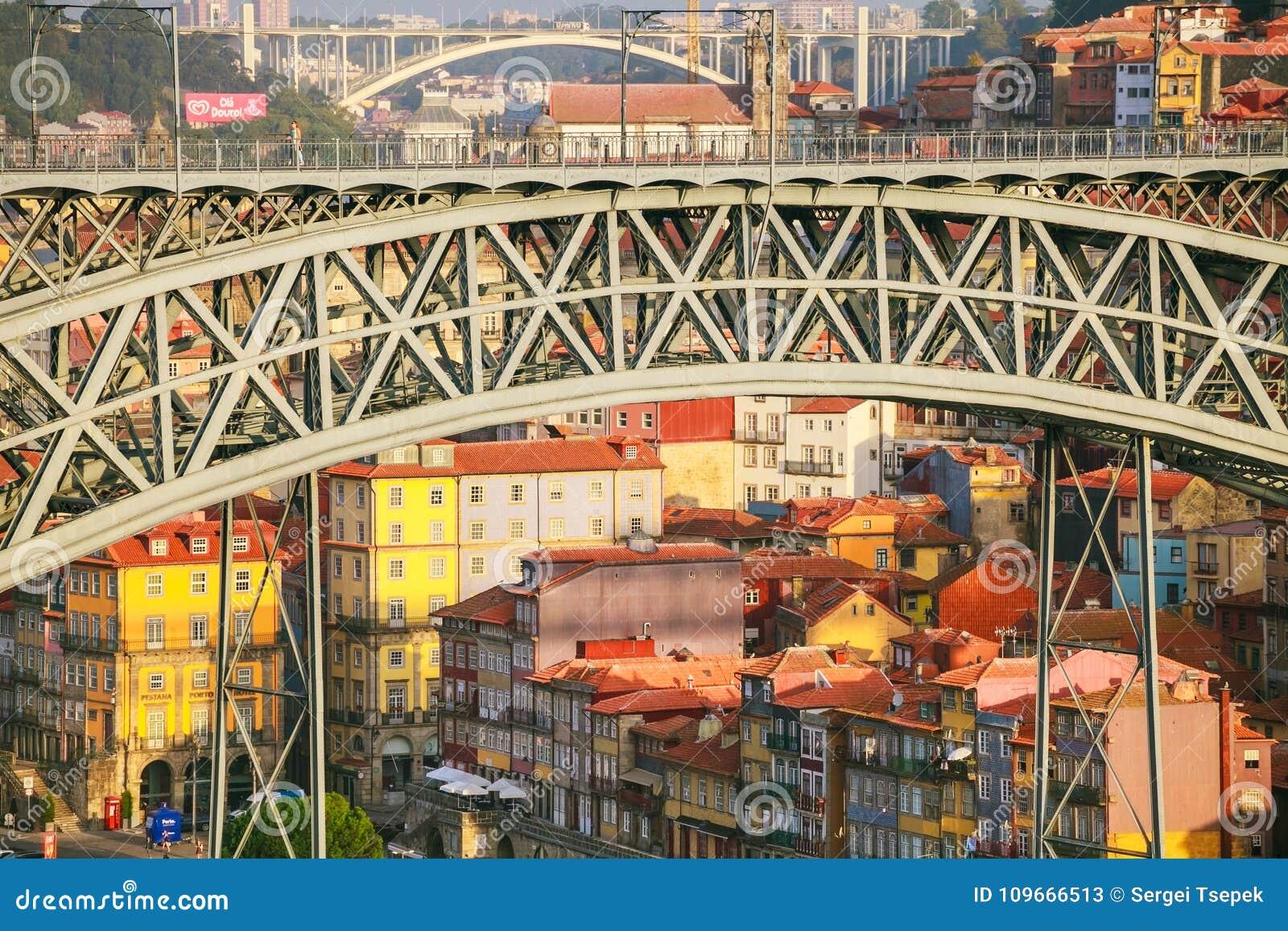 Die Brücke Bogen Dom Luises I Verkehrsverbindung zwischen der Stadt von Porto und der Stadt von Vila Nova de Gaia