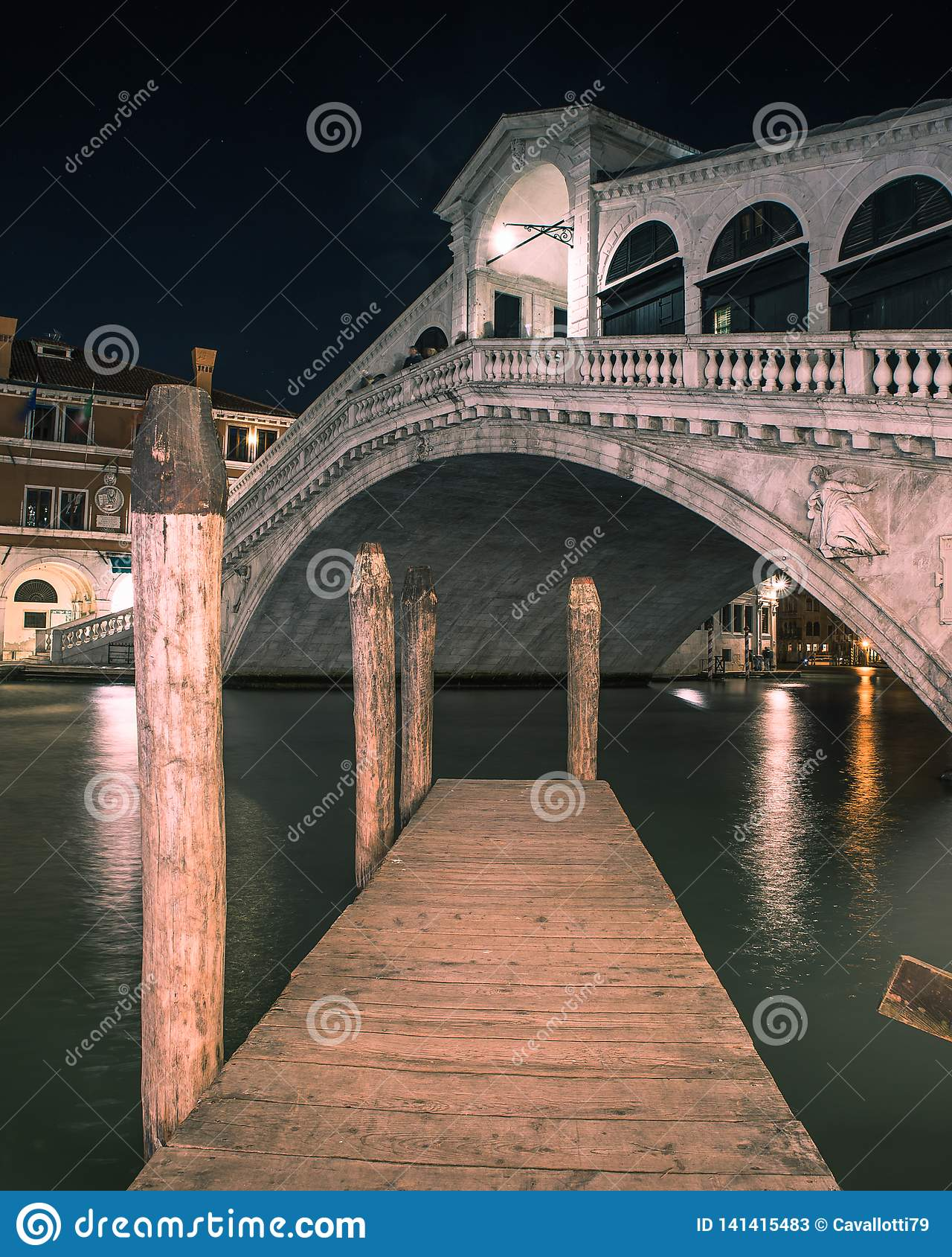 Die des Rialtos Brücke in Venedig Italien