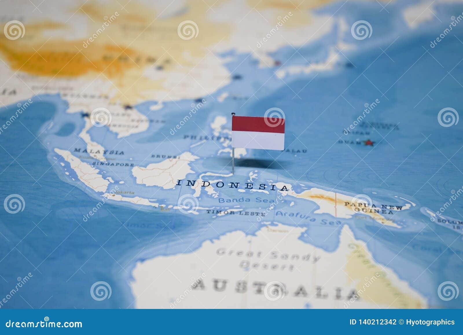 Die Flagge von Indonesien in der Weltkarte