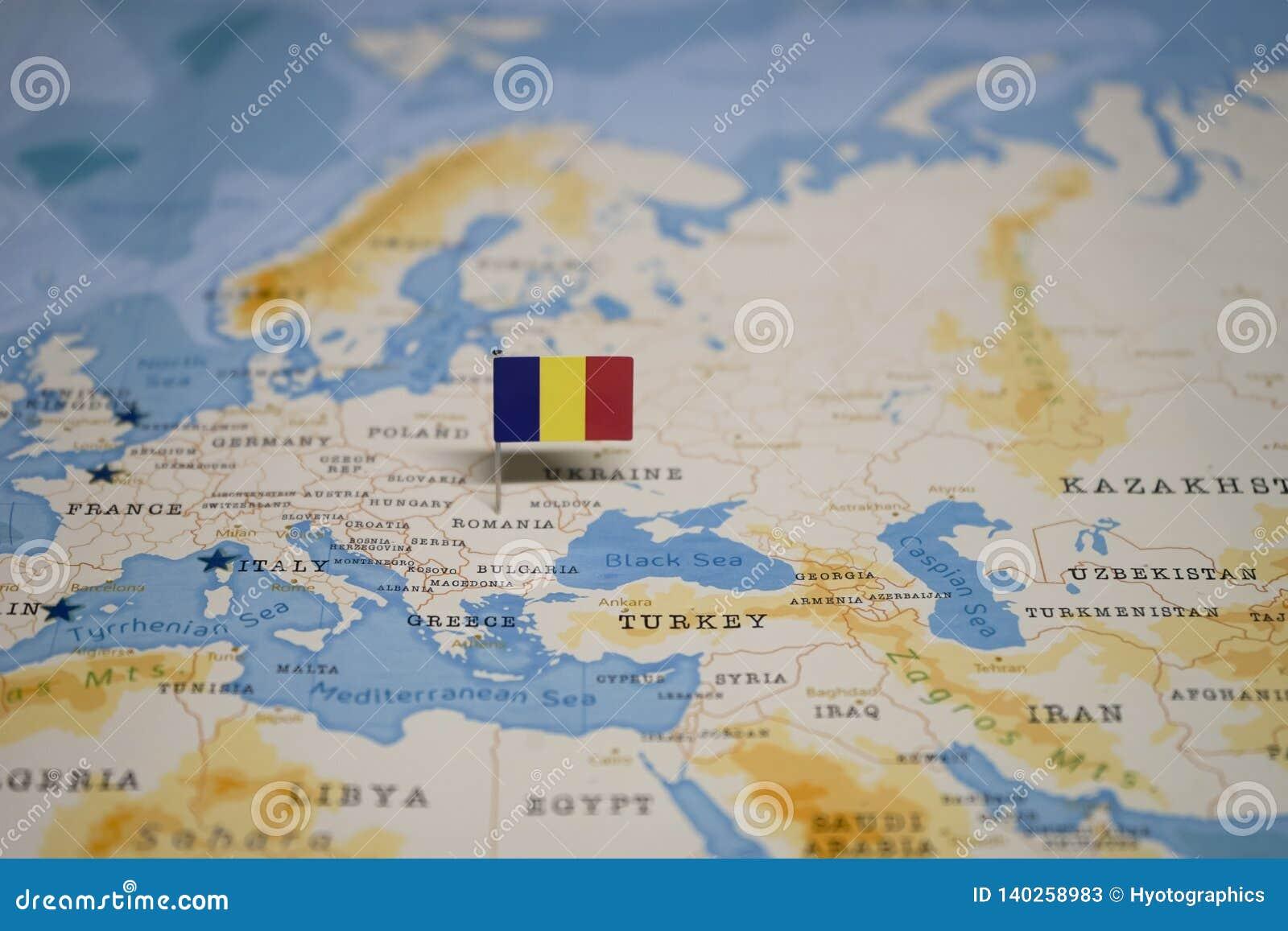 Die Flagge von Rumänien in der Weltkarte