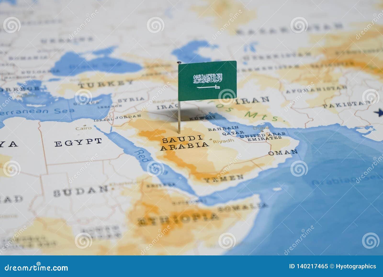 Die Flagge von Saudi-Arabien in der Weltkarte