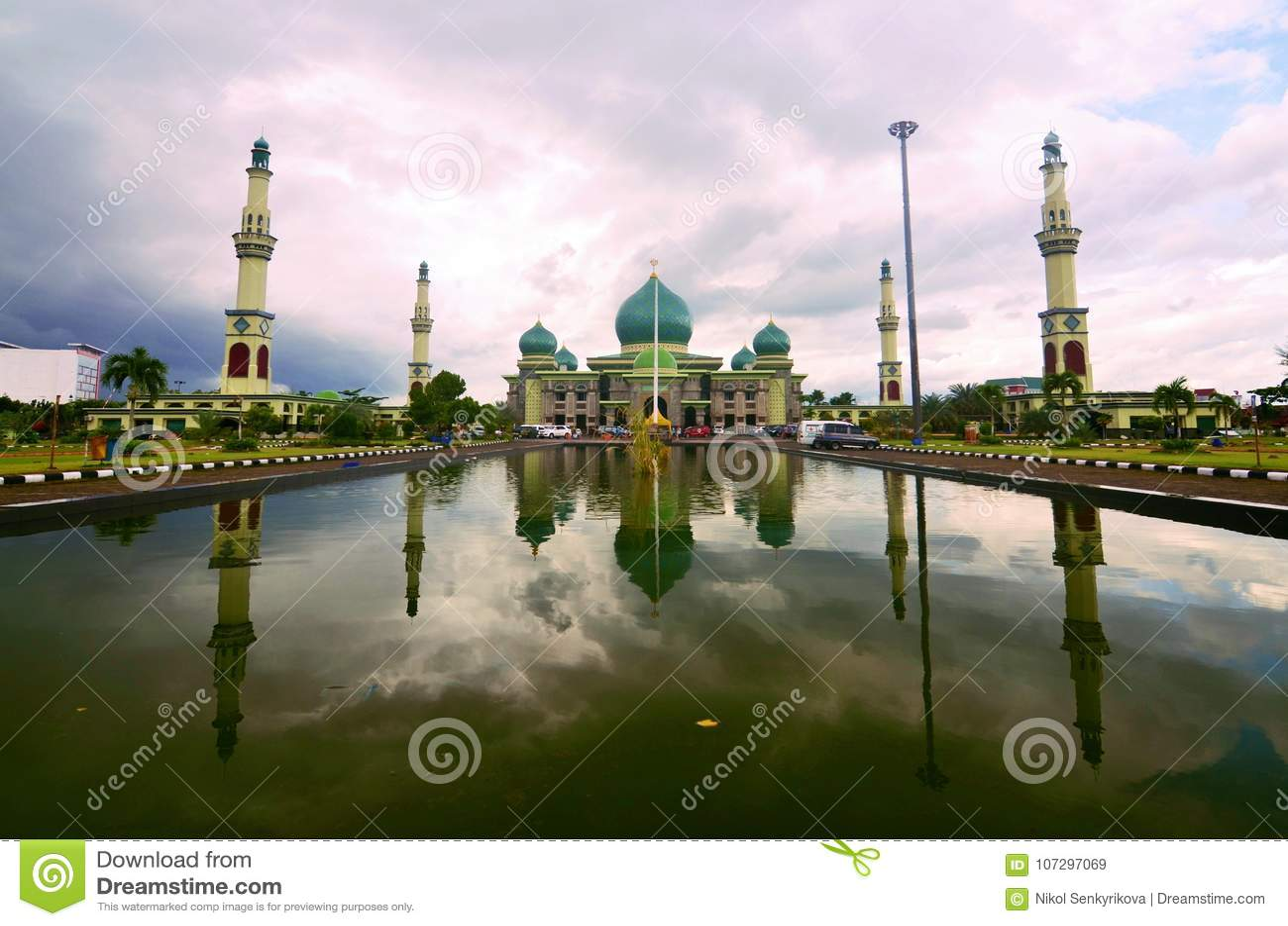 Die große Moschee von Riau, Pekanbaru, Sumatra