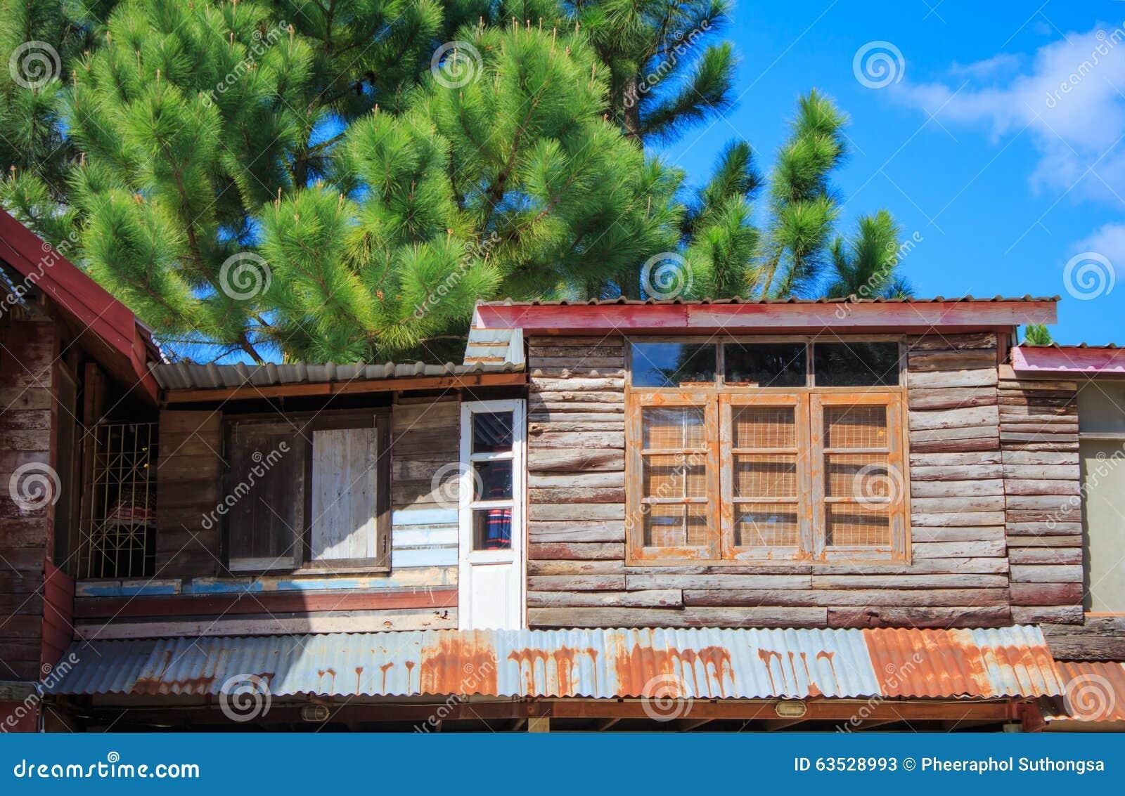 Die hölzernen Häuser
