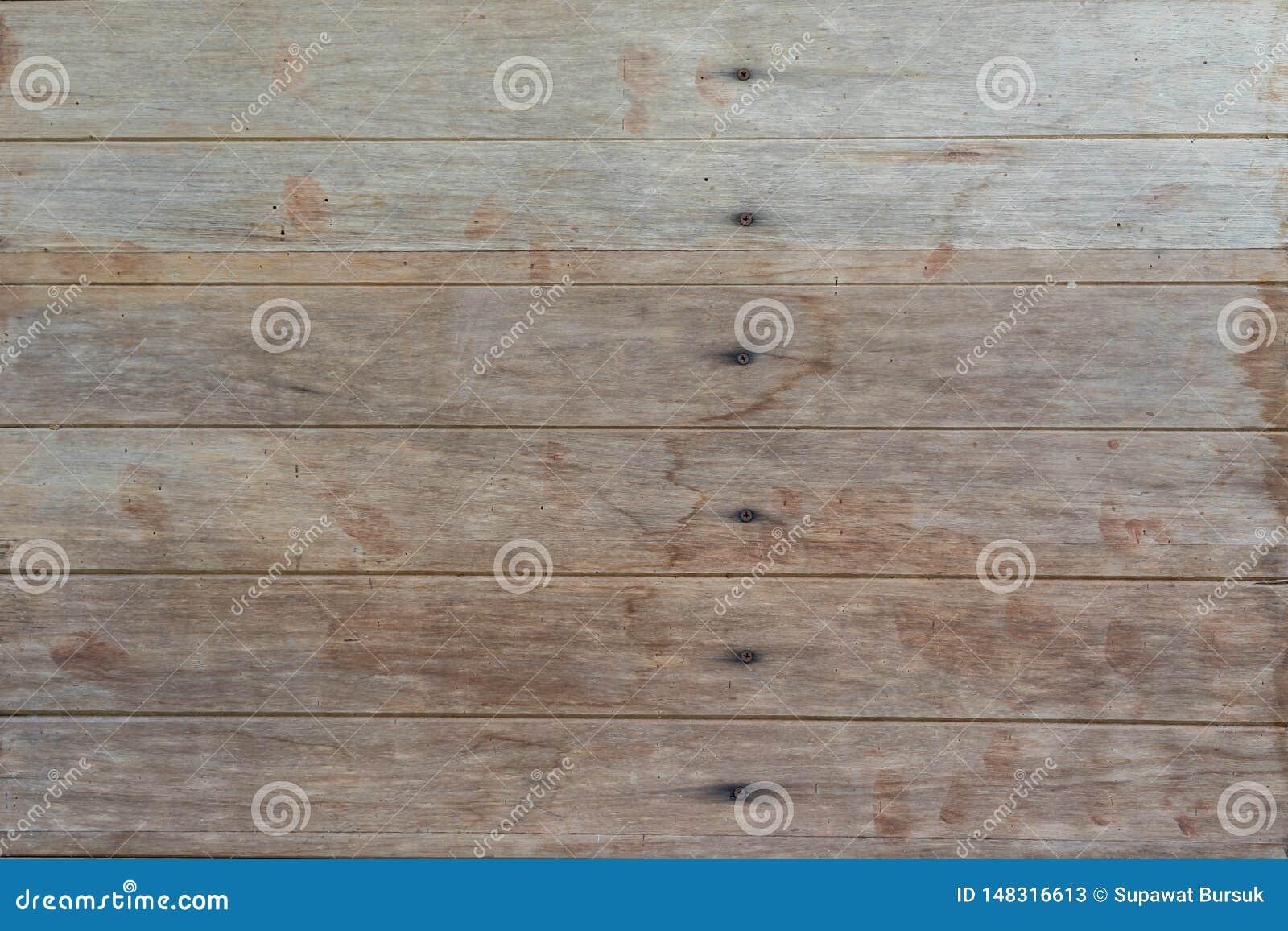 Die h?lzernen W?nde, die vom Schnittholz hergestellt werden, kommen als W?nde und N?gel zu halten Thail?ndische Vorlage der popul