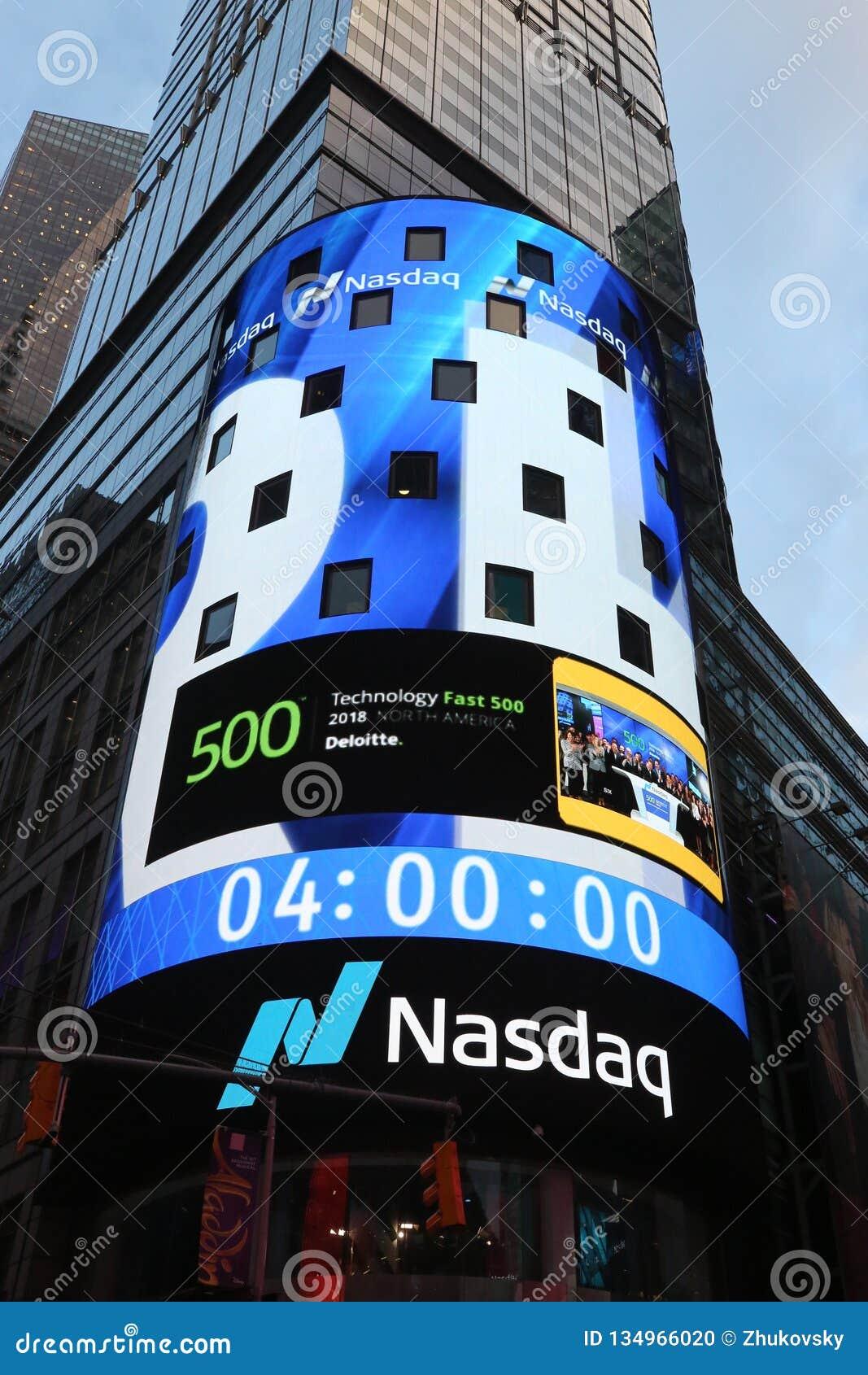 Die Hauptsitze der Börse NASDAQs, der zweitgrösste Handelsmarkt in der Welt im Times Square