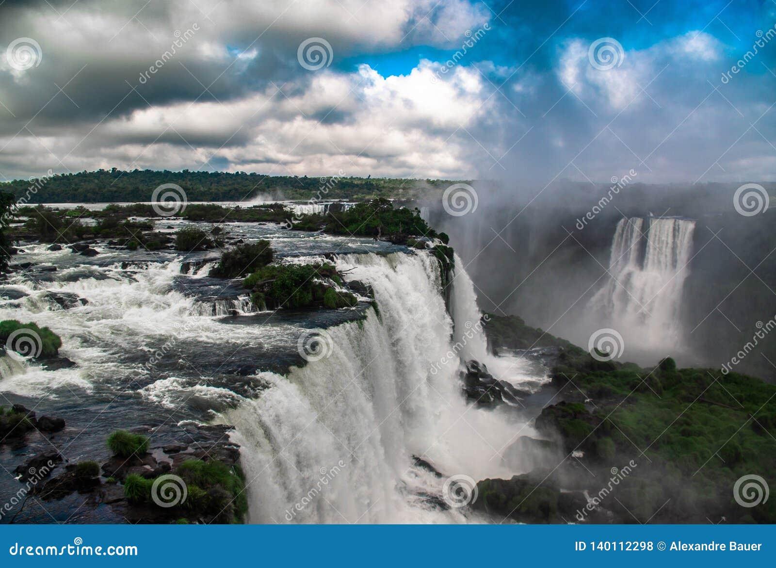 Die Iguaçu-Wasserfälle, brasilianische Seite