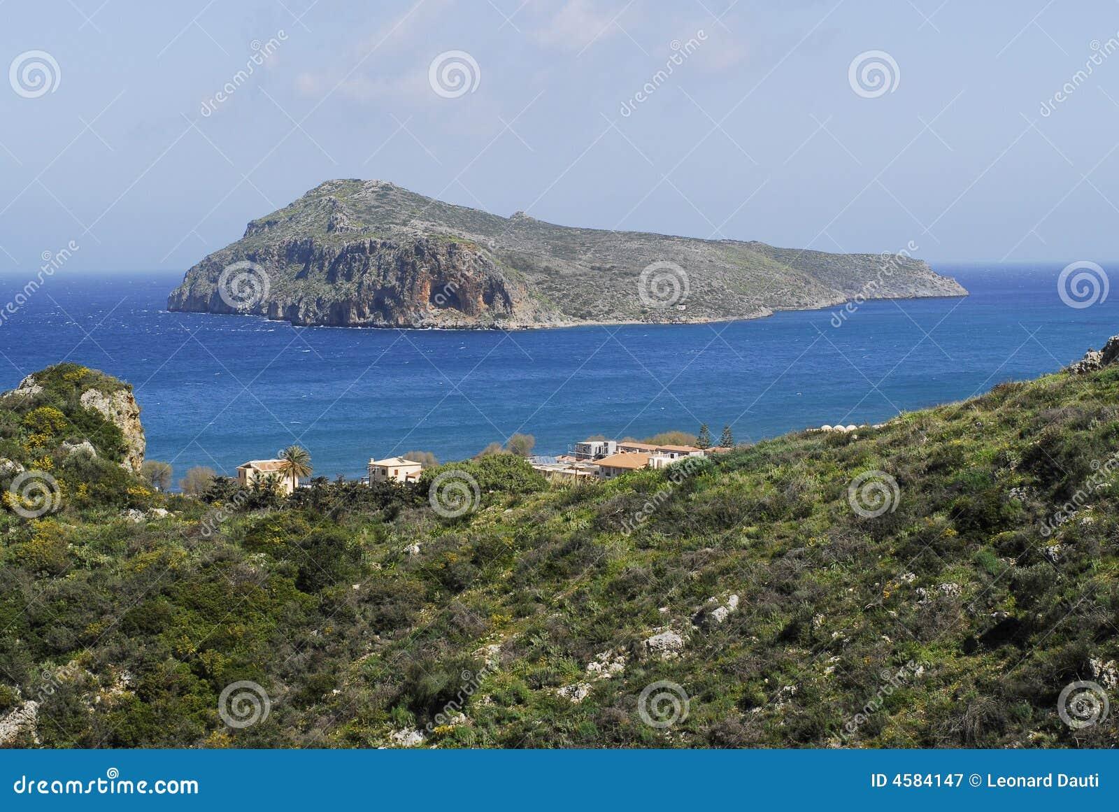 Die Insel und seine Höhle