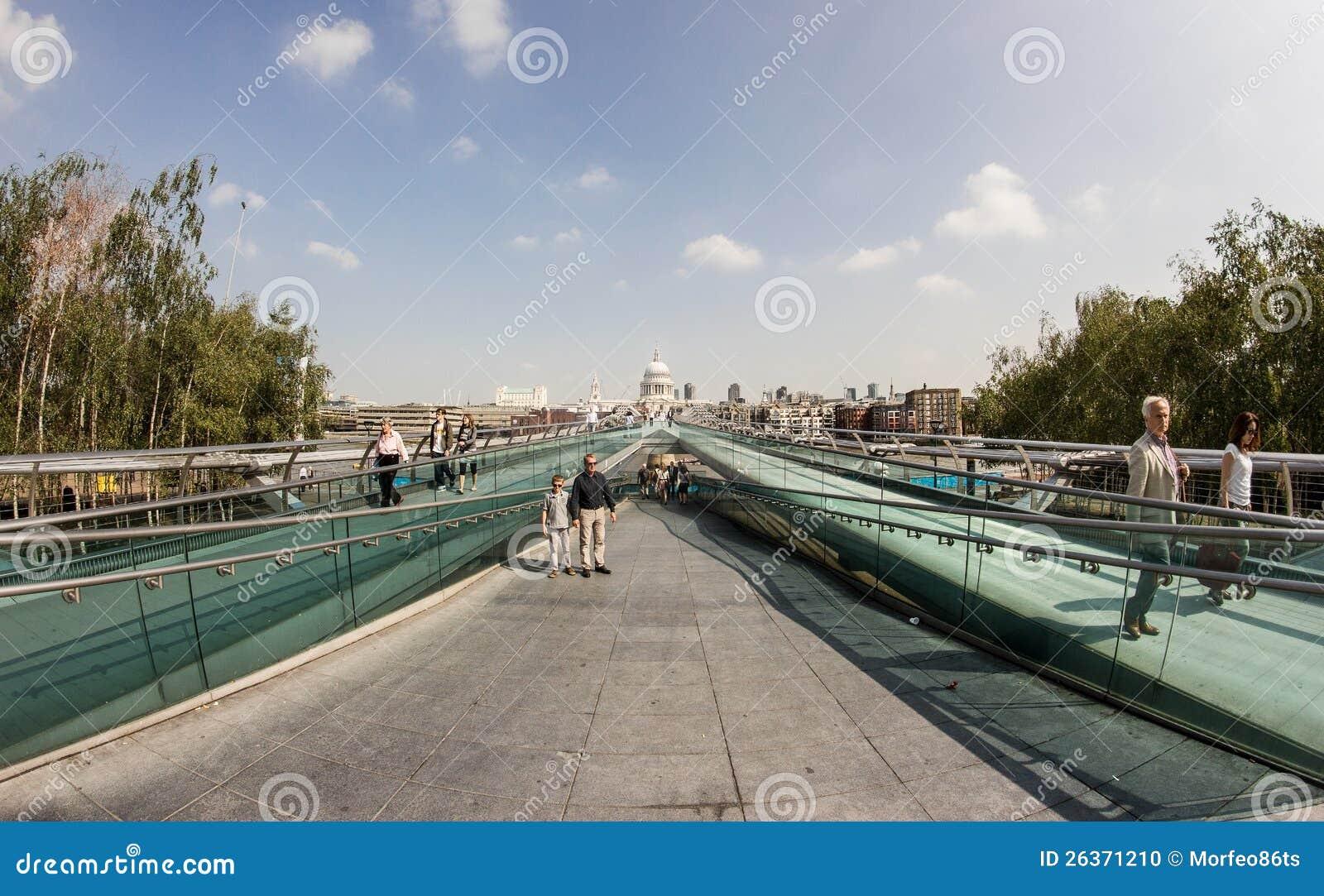 Die Jahrtausend-Brücke