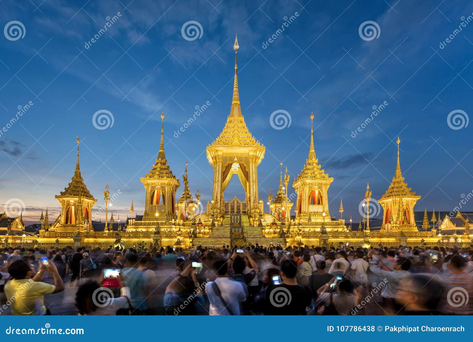 Die königliche Krematoriums-Replik für König Bhumibol Adulyadej Pra M