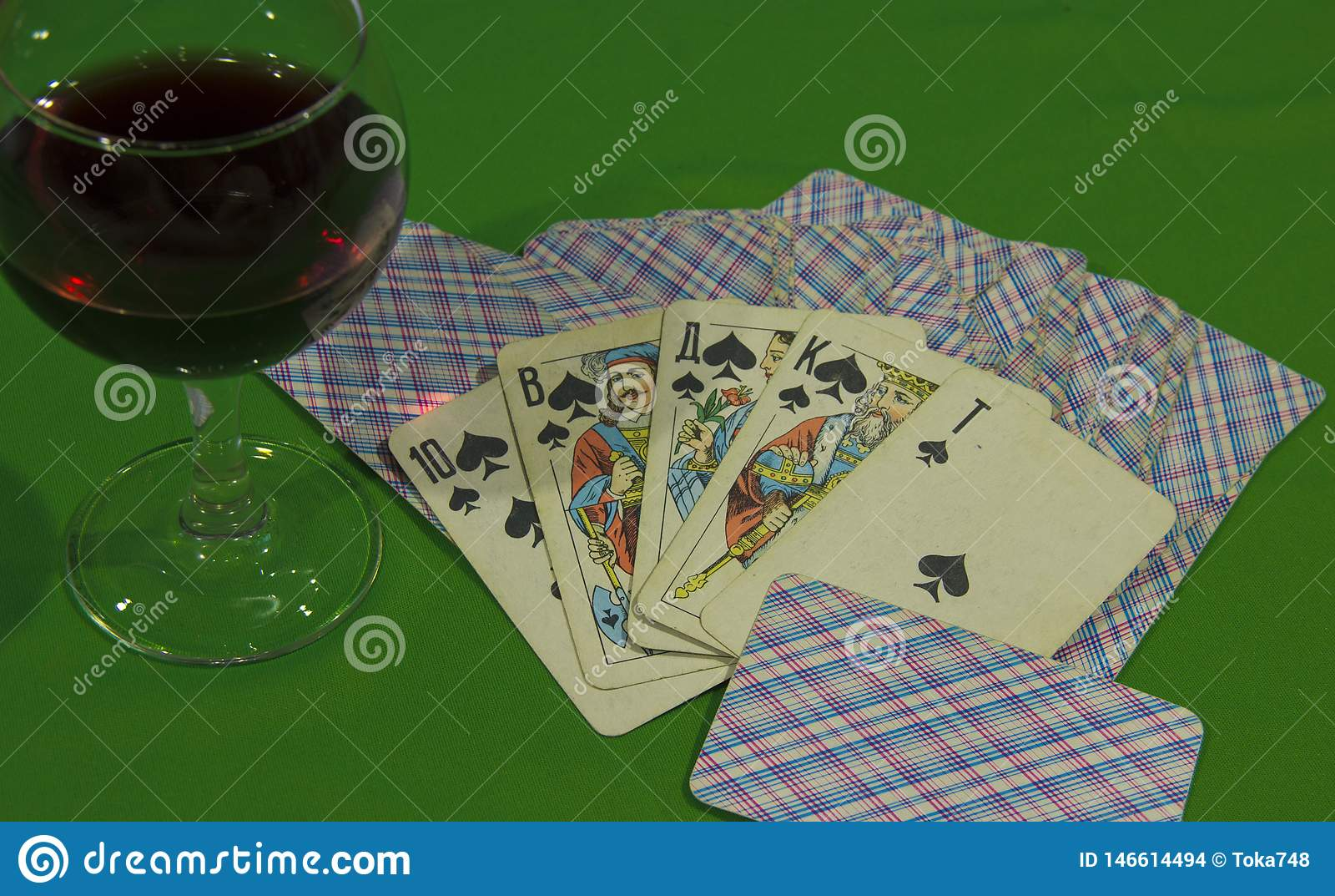 Die Karten hatten einen Royal Flush