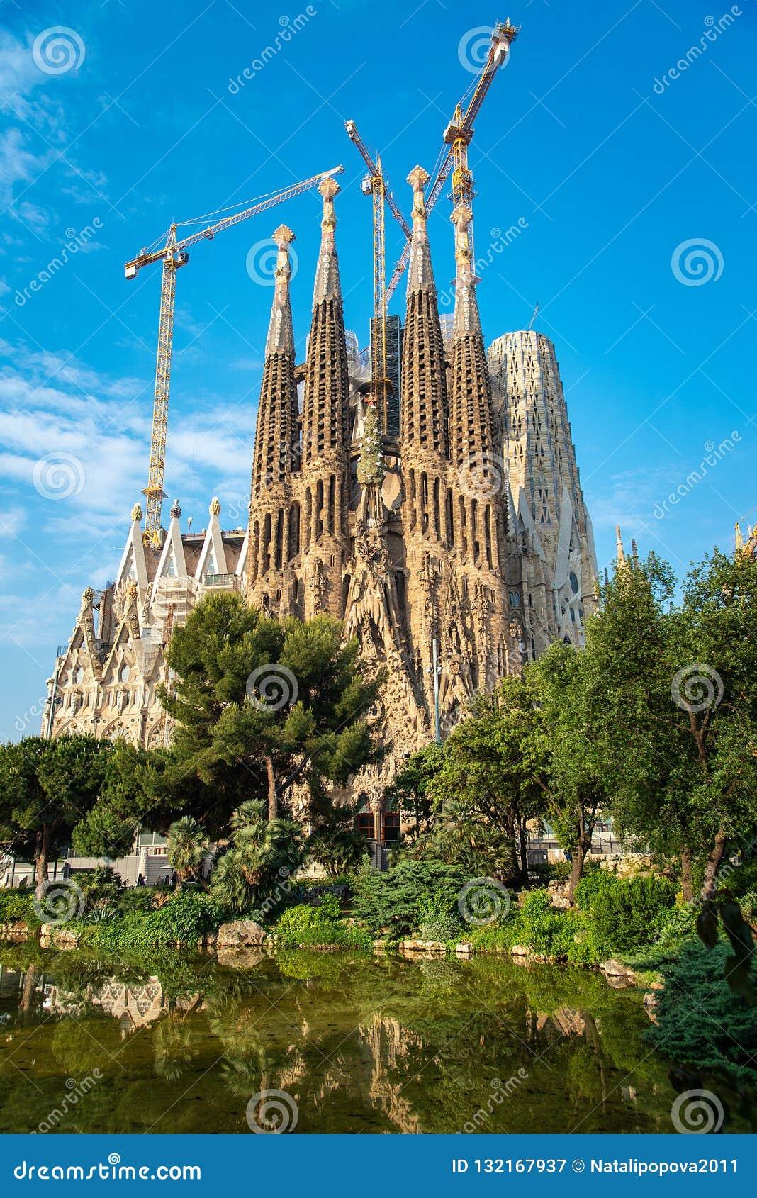 Die Kathedrale von La Sagrada Familia durch den Architekten Antonio Gau