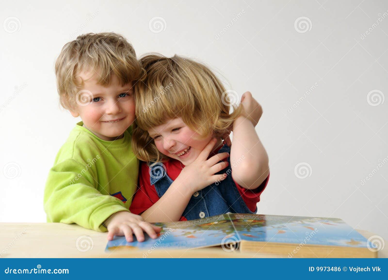 Die Kinder während des Messwertes