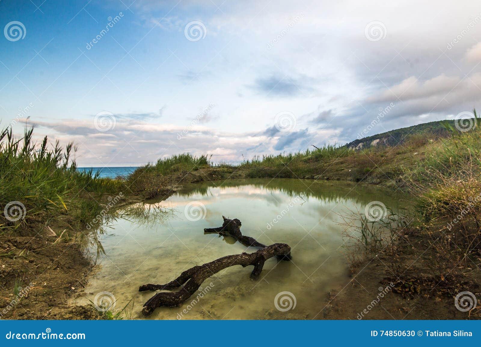 Die Landschaft der Bucht von Inal