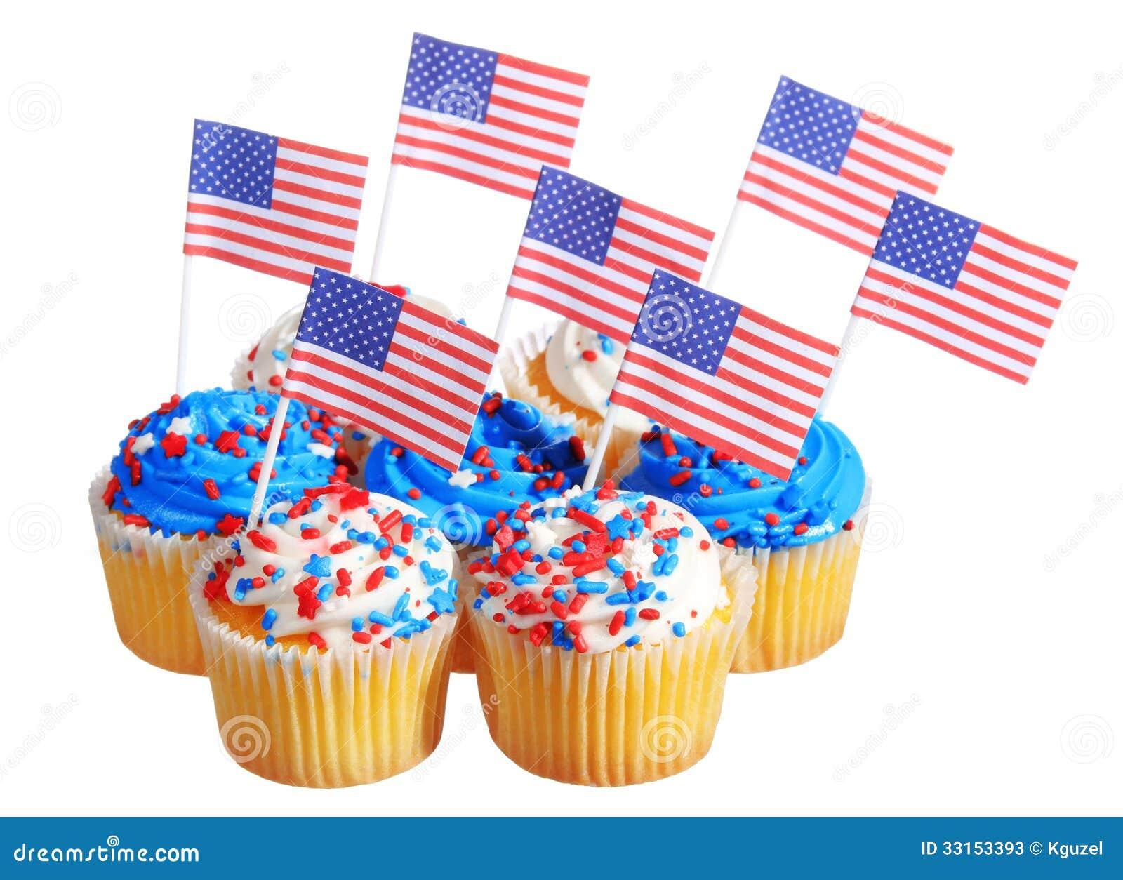 Die Patriotischen Kleinen Kuchen Die Mit Amerikanischen Flaggen Und