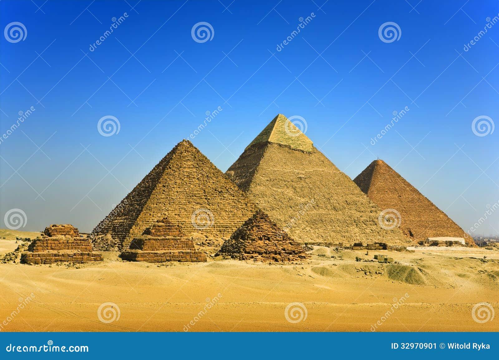 Die Pyramiden von Giseh stockbild. Bild von giza, wüste