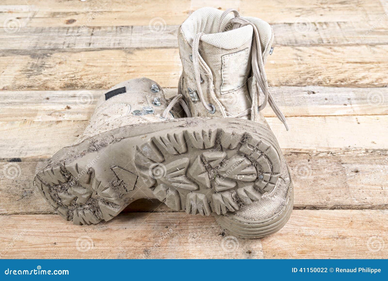 Wandern Schmutzige Schuhe Stockfoto und mehr Bilder von Alt