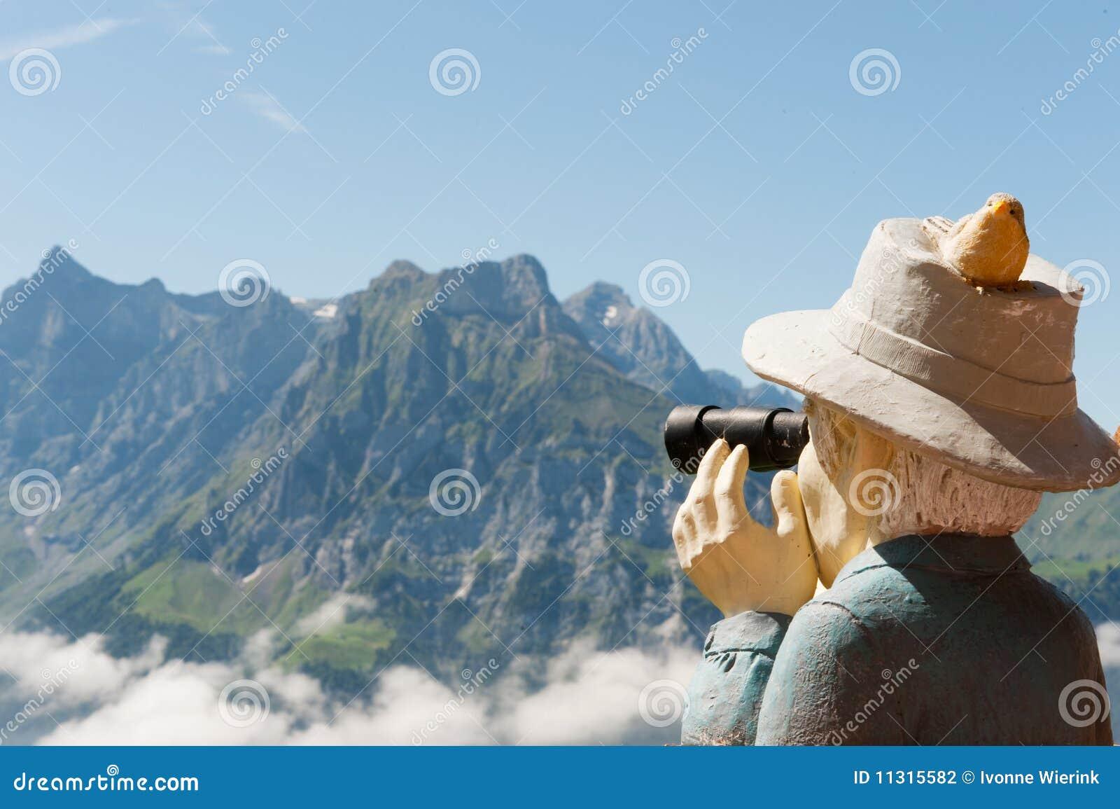 Die Schweiz, die zu den Bergen schaut