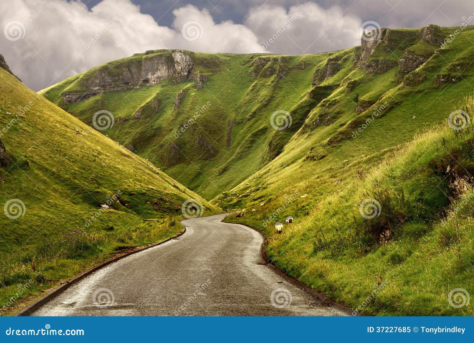 Die Straße an Winnats-Durchlauf