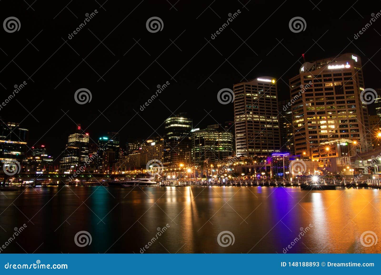 Die Sydney-Skyline nachts