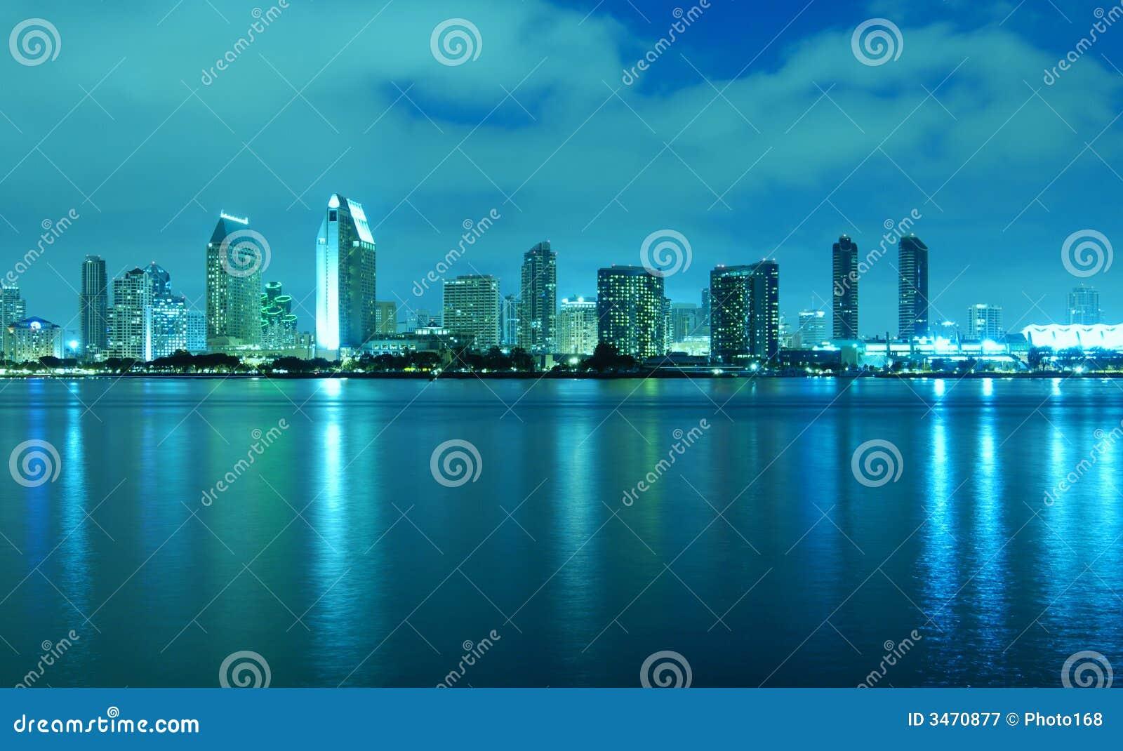 Diego-Skyline nachts