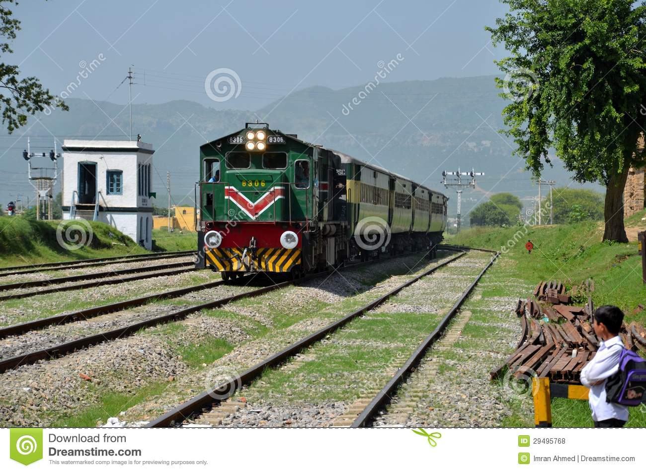 The Calgary St ede An Insiders Guide in addition Yamaha Waverunner Wont Start Stalls furthermore Pakistan Railways Train Shalimar Express Stops Rohri Junction Station Sindh additionally Cat Street Antique Markets Hong Kong besides Index176. on engine stalls