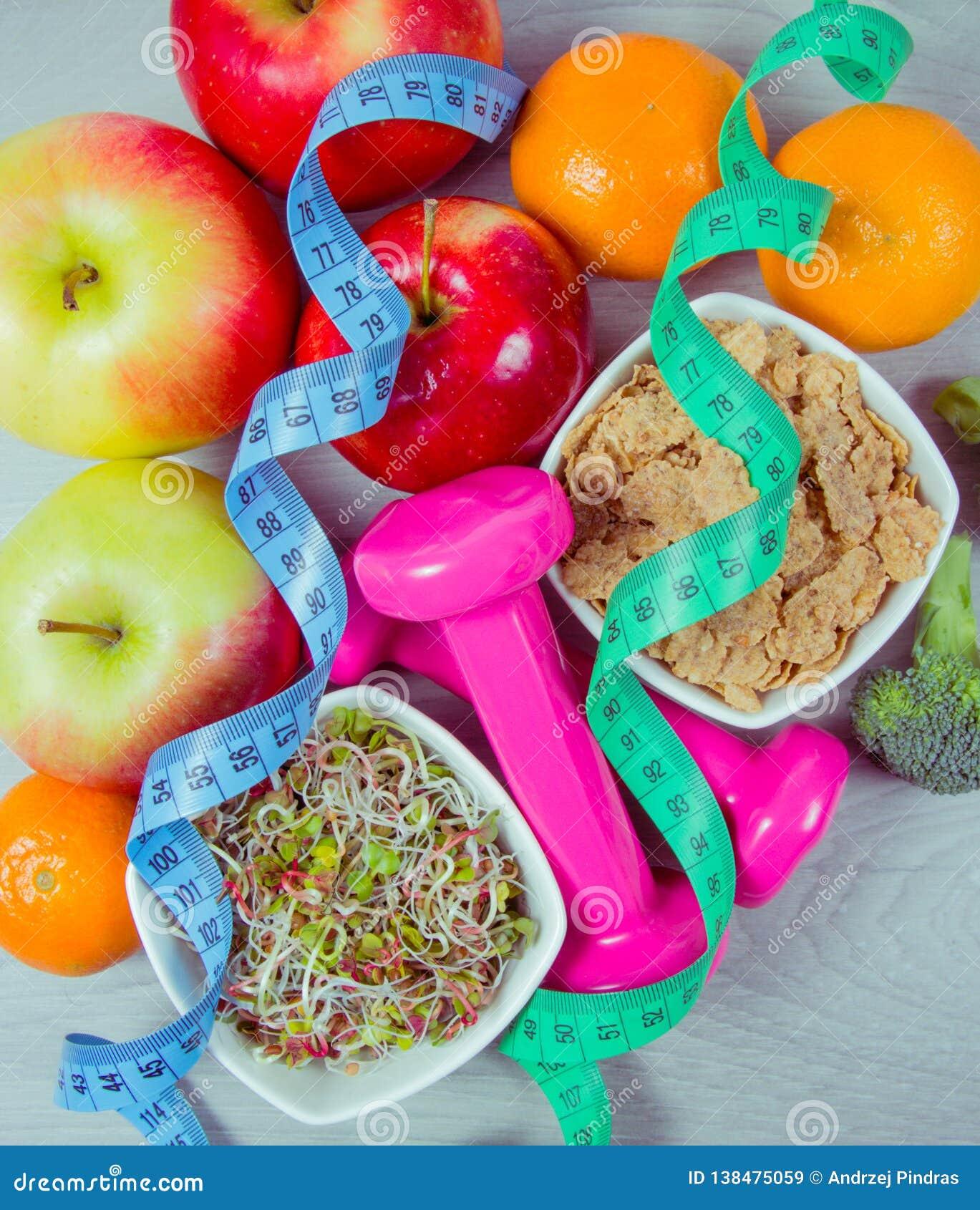 Dieta saudável, perda de peso - conceito de comer saudável