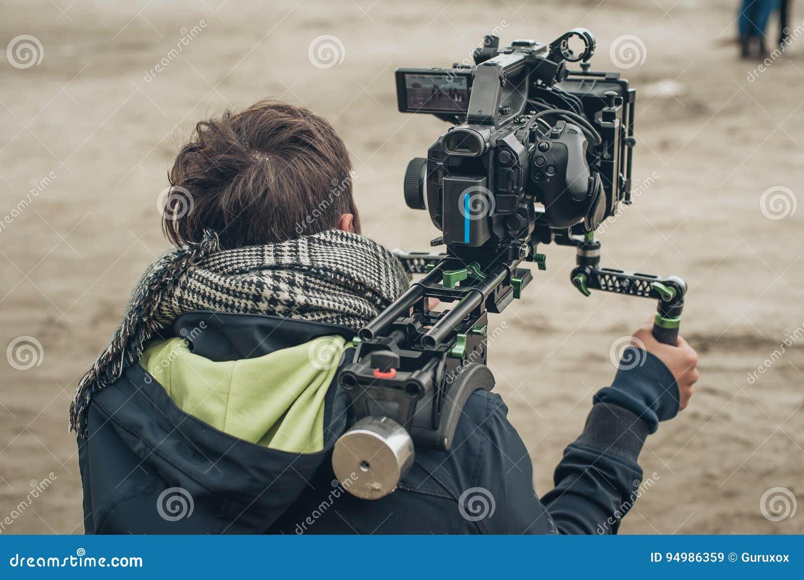 Dietro la scena Scena del film della fucilazione del cineoperatore con la sua macchina fotografica