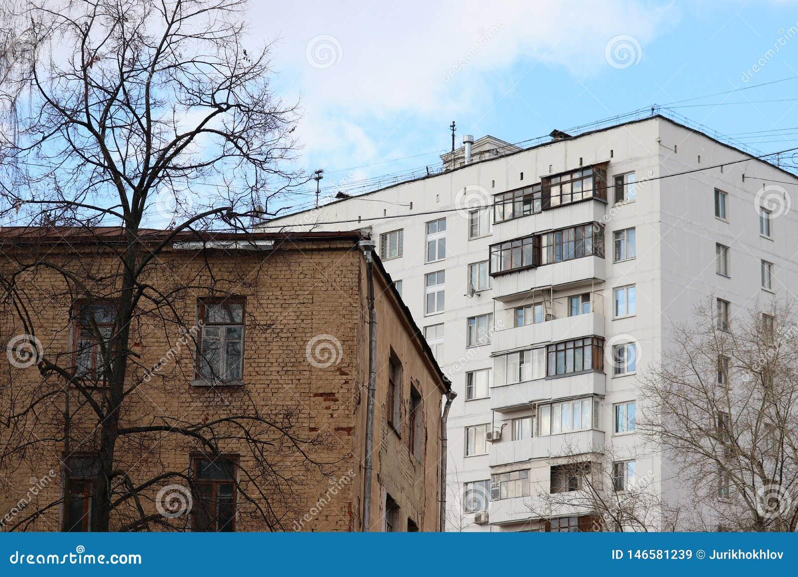 Diferencia en generaciones en el ejemplo de dos edificios