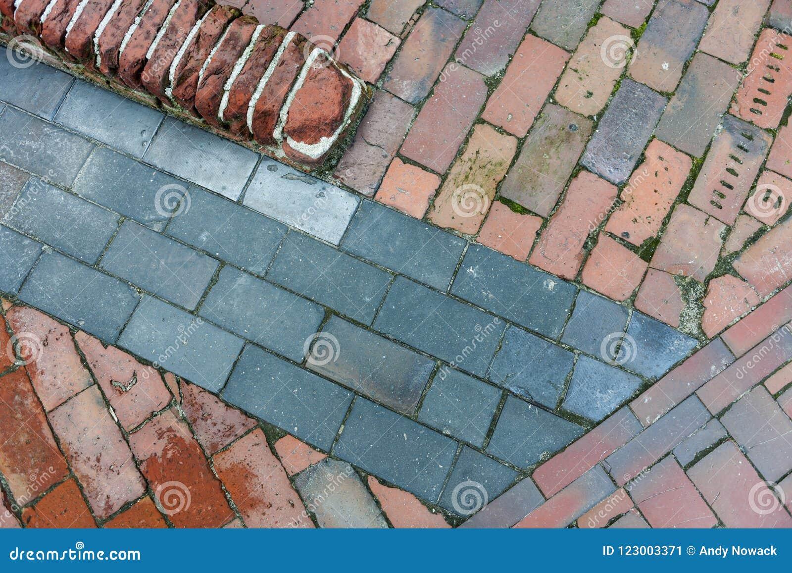 Arrangement of paving slabs 96