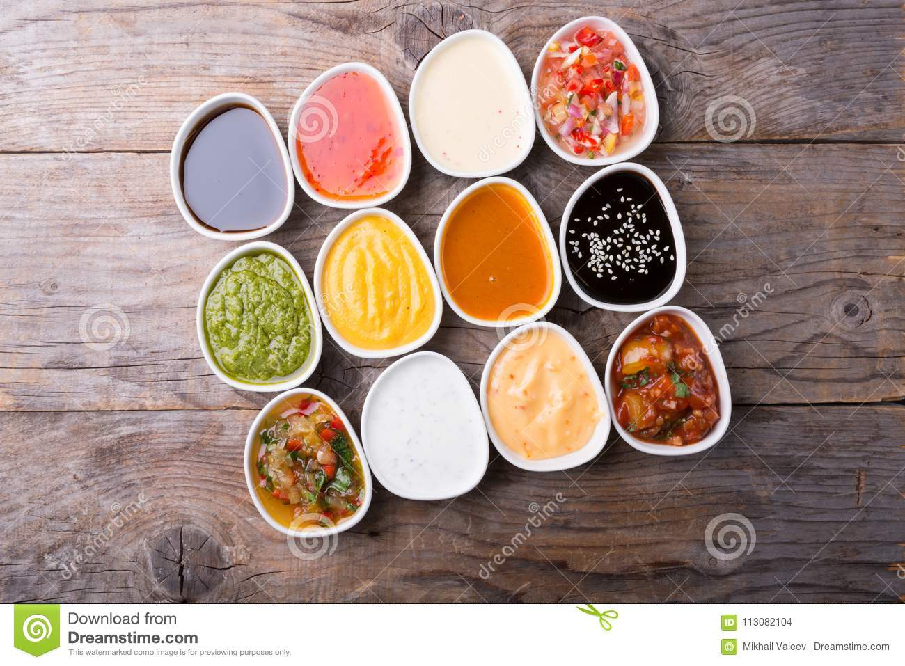 What kind of sauce was served in the cottage cheese casserole in childrens gardens
