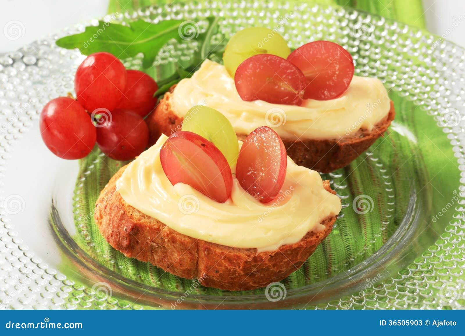 Diffusion de pain et de fromage