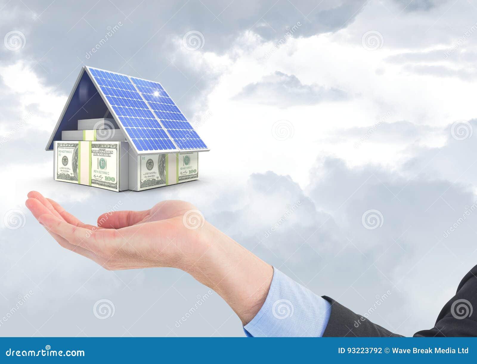 Digitaal samengesteld beeld van munten en zonnepaneel boven bedrijfshand tegen hemel